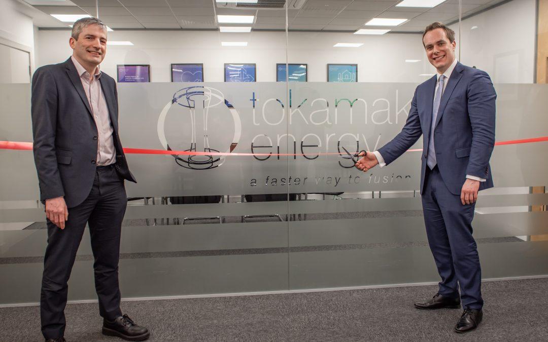 David Johnston MP opens new Tokamak Energy office at Milton Park
