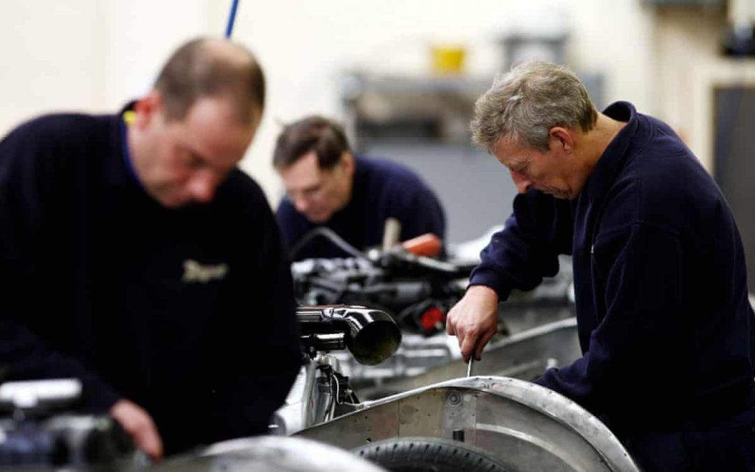 CBI reports record drop in UK manufacturing as total orders dip